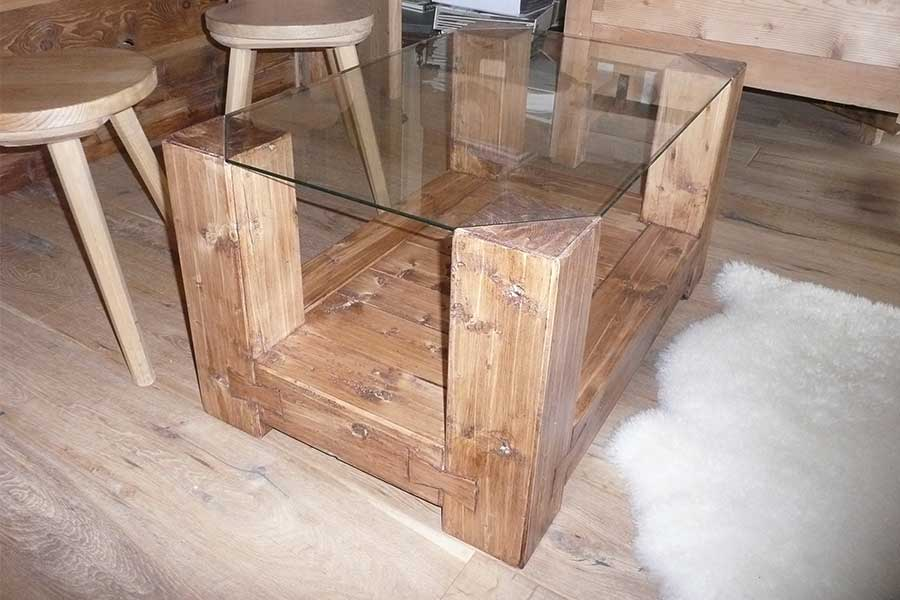Cortina coffee table with glass top