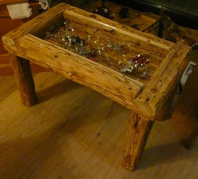 Col di Lana coffee table with beams and glass