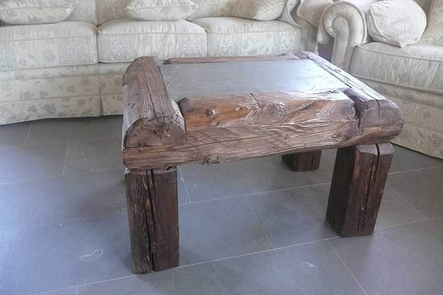 Coffee table in old wood and stone