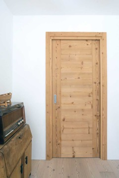 door in antiqued wood hermannwood1976